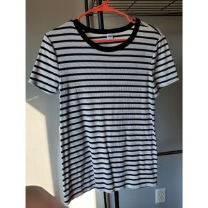 Old Navy Stripped Ribbed T-shirt